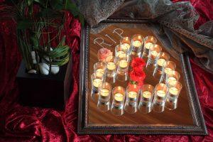 Persönliche Trauerfeier, Abschied, Abschiedsfeier, Blumendekoration Urnenschmuck Grabschmuck, Trauerschmuck